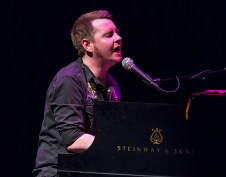 Sings Like Hell - John Fullbright 3/26/16 Lobero Theatre