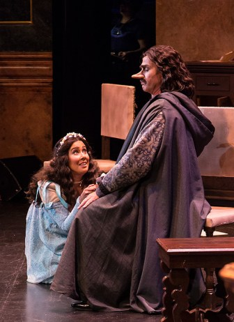 Lauretta (Monica Yunus) pleads with stony-faced dad Gianni Schicchi (Stephano de Peppo) in that famous aria.