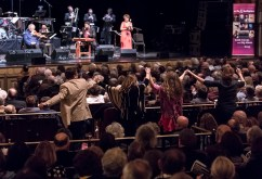 "Audience gets up to tantsn. Itzhak Perlman and stars of Klezmer - ""In the Fiddler's House"" 20th Anniversary concert - UCSB Arts & Lectures 1/23/17 The GranadaTheatre"
