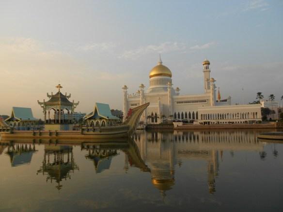 Sultan-Omar-Ali-Saifuddin-Mosque