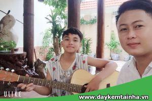 Gia sư dạy đàn Guitar uy tín