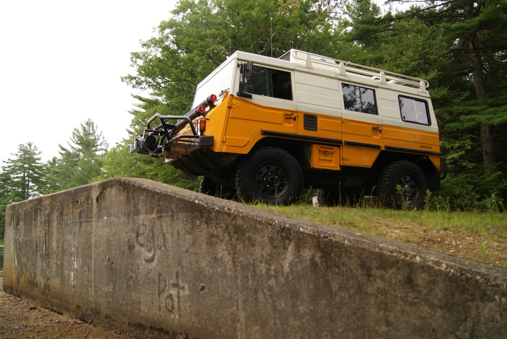 The Superman of the Trail: It's a Jeep, it's a Hummer, it's a... What is that? (2/6)