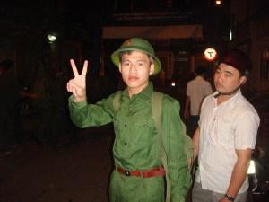 Nguyễn Tiến Trung nhập ngũ
