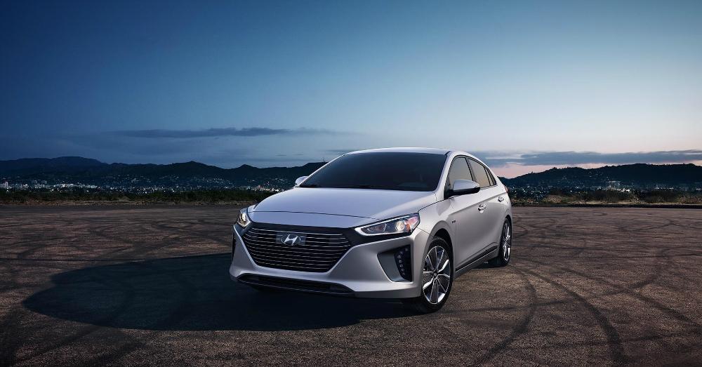 01.03.17 - Hyundai IONIQ