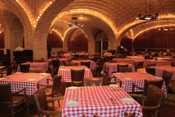 Grand Central Oyster bar today - image by amny.com