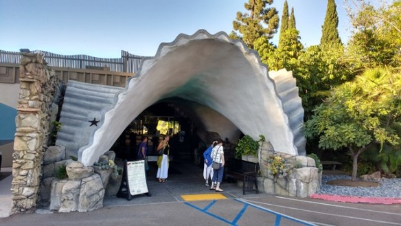 entrance to La Mesa Fish Grotto - photo by Dean Curtis