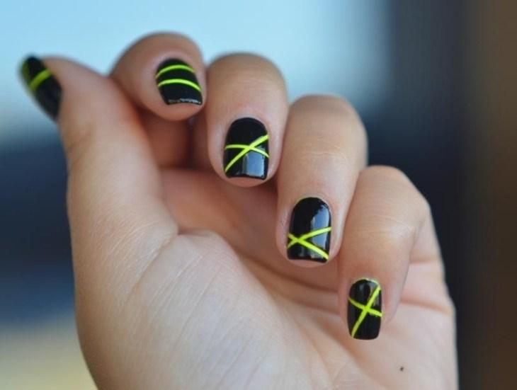 deco-ongles-bande-de-striping-tape-jaune-noires