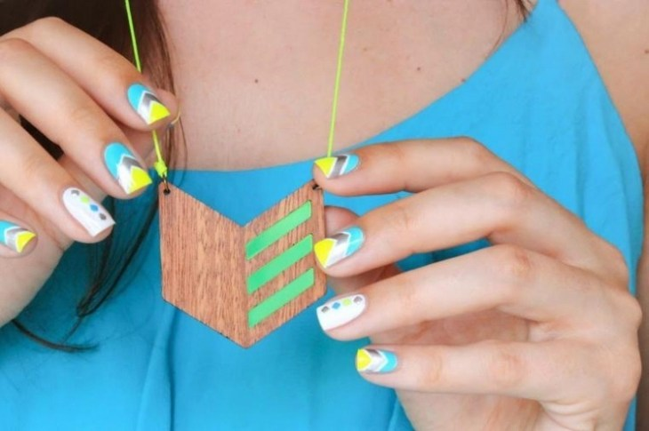 deco-ongles-bande-de-striping-tape-motif-chevron-pois