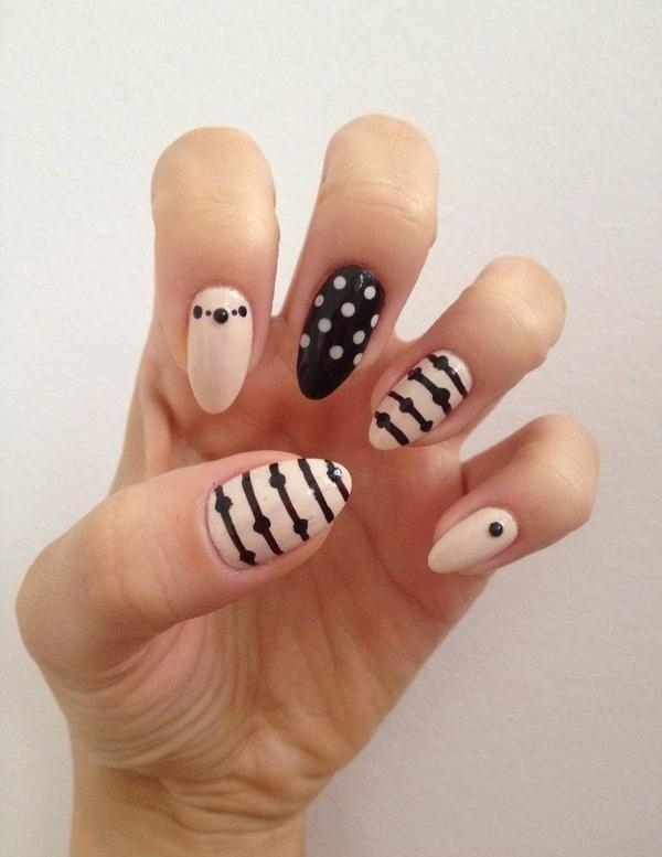 vernis-shellac-idee-deco-ongles-pois-strass