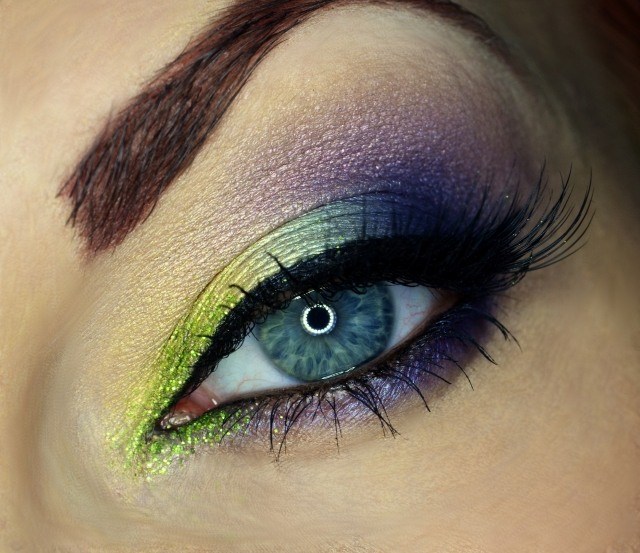 maquillage-yeux-idee-ete--eye-liner-mascara-sourcils