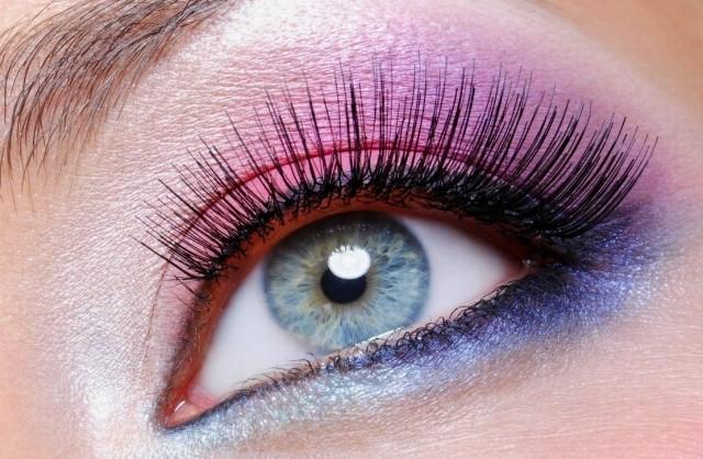 maquillage yeux idee-ete-fard-bleu-rose-mascara-eye-liner