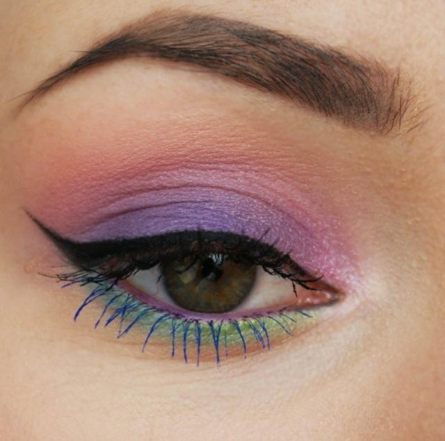 maquillage-yeux-idee-ete-fard-mascara-bleu-mascara