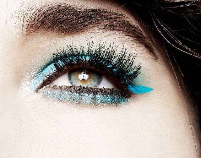 maquillage-yeux-idee-ete-mascara-sourcils