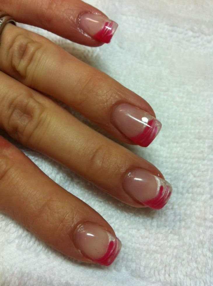 French manucure gel base-transparent-couleur-fuschia