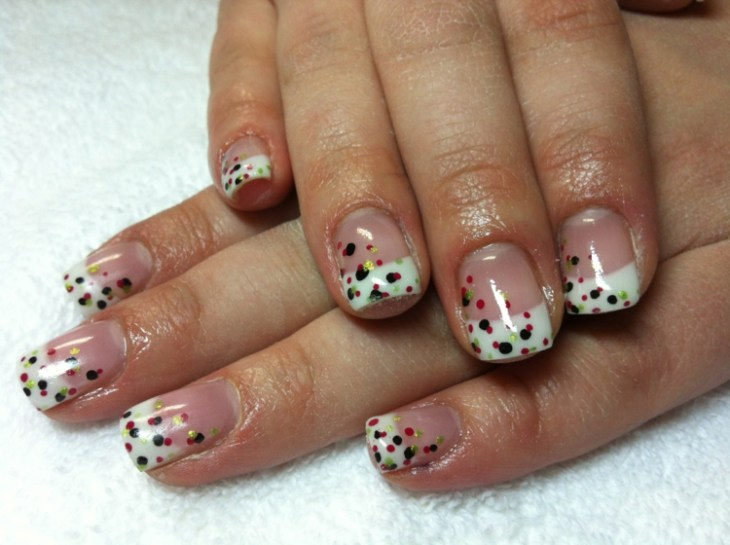 French-manucure-gel-pois-noirs-rouges