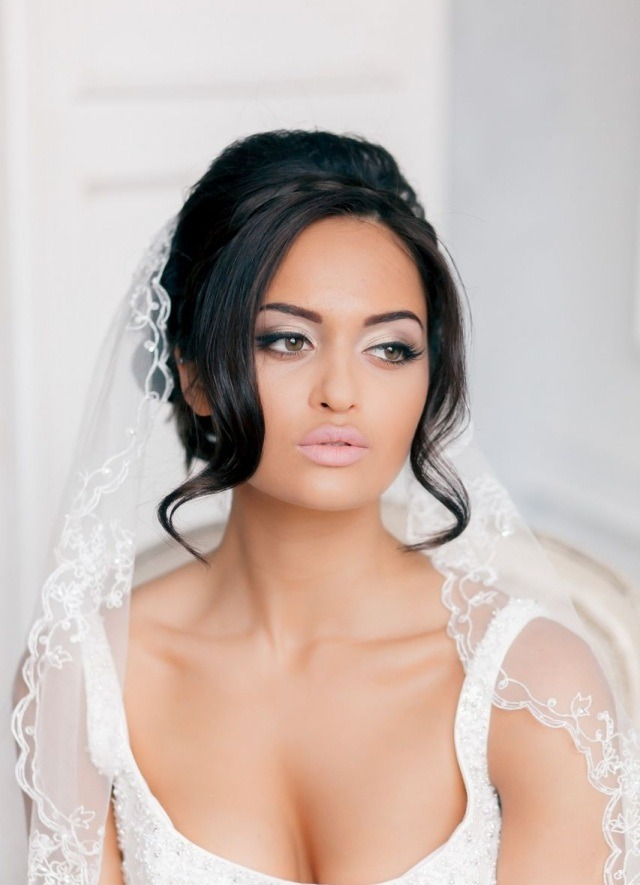 maquillage-mariée-discret-fard-paupières-blanc-satiné-eye-liner