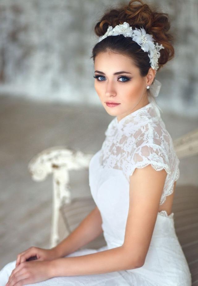 maquillage-mariée-naturel-mettre-évidence-yeux-bleus