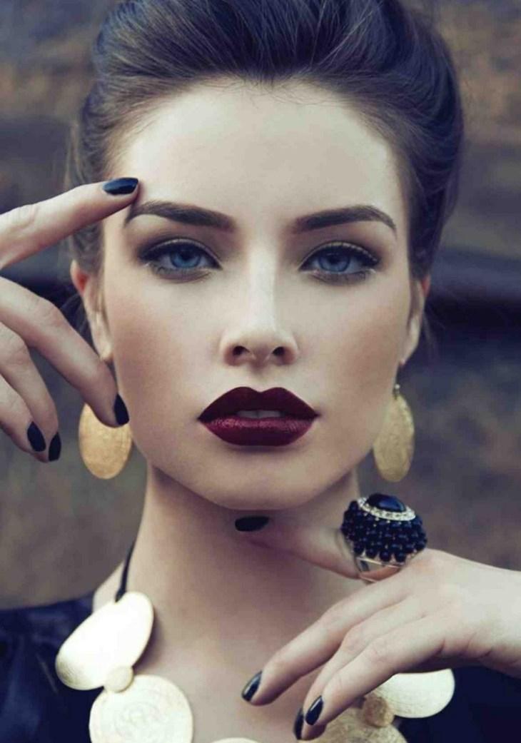 maquillage de soirée 2015-accebtuer-levres-rouge-levres-bordeaux-fonce-eye-liner