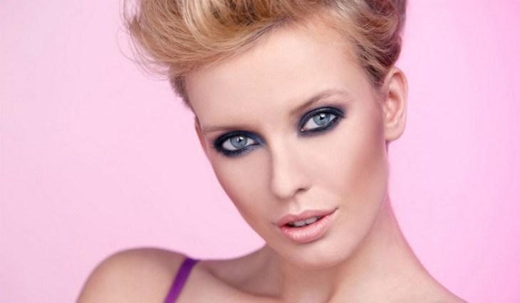 maquillage de soirée 2015-fard-paupieres-bleu-gris-noir-rouge-levres-peche
