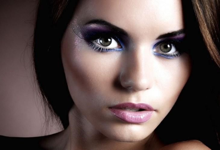 maquillage de soirée 2015-party-fard-paupieres-bleu-lilas-paillete-rouge-levres-rose