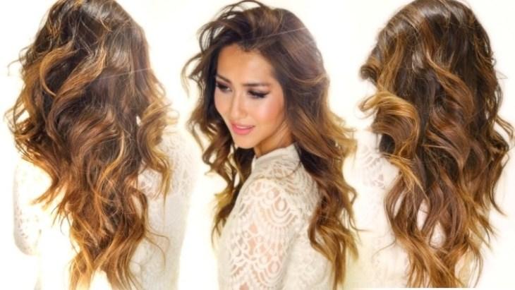 cheveux couleur caramel -ombré-mèches-blondes-cheveux-ondulés