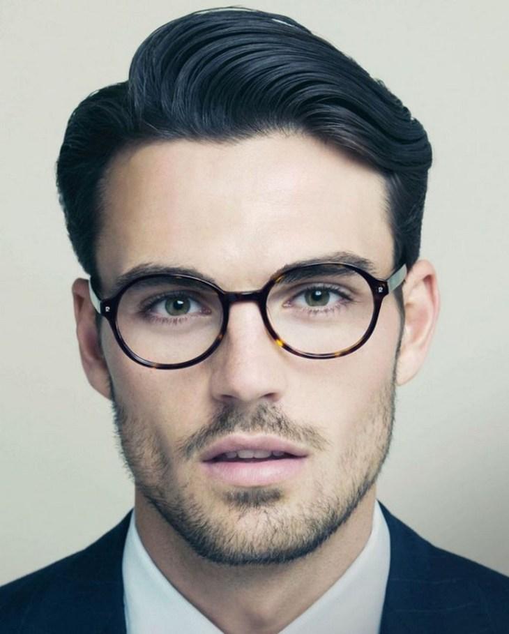 style de barbe tendance 2016- barbe-3-jours-lunettes-cheveux-sur-côté