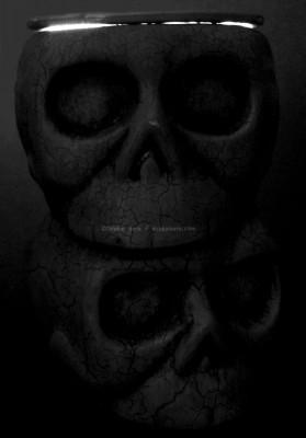 LightEscaping-StackedSkulls-DB-2015-bw-2