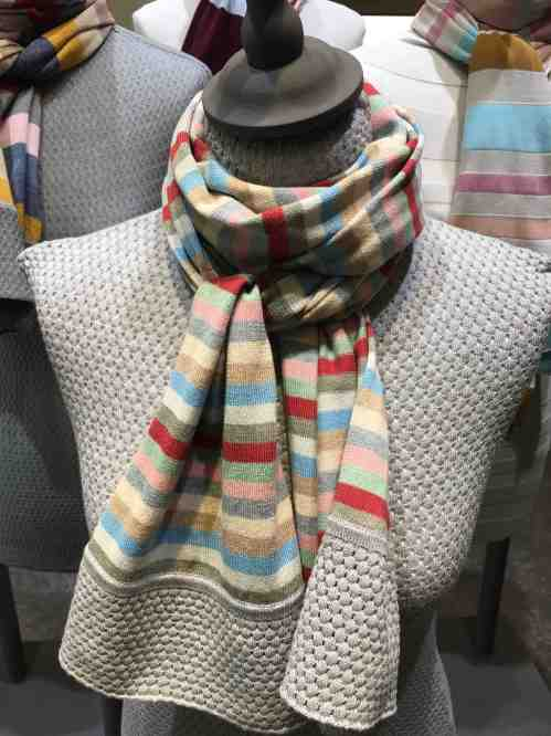 pitti scarves 3:4