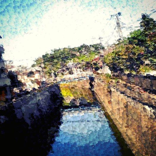呑川から本門寺を望む