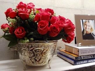 Beneficios de Decorar el Salón con Rosas