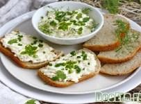 salat-s-syrom-i-chesnokom