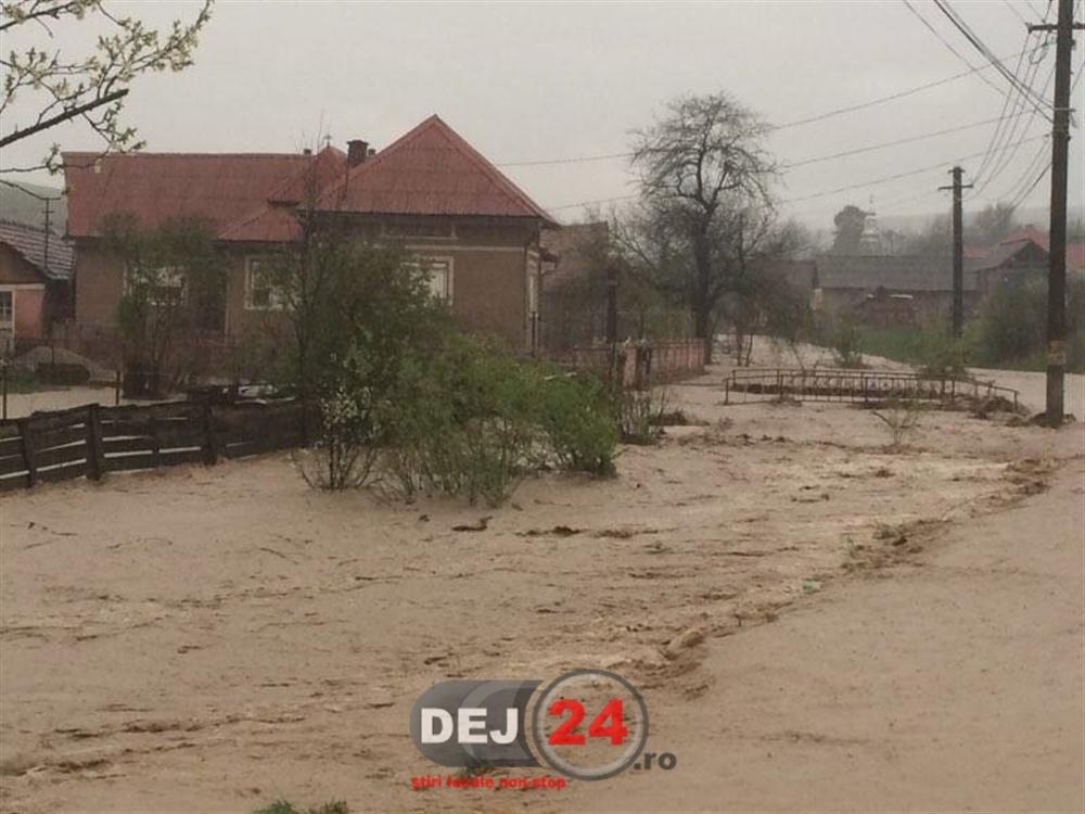 [Imagine: Inundatii-%C3%AEn-apropiere-de-Dej-3.jpg]