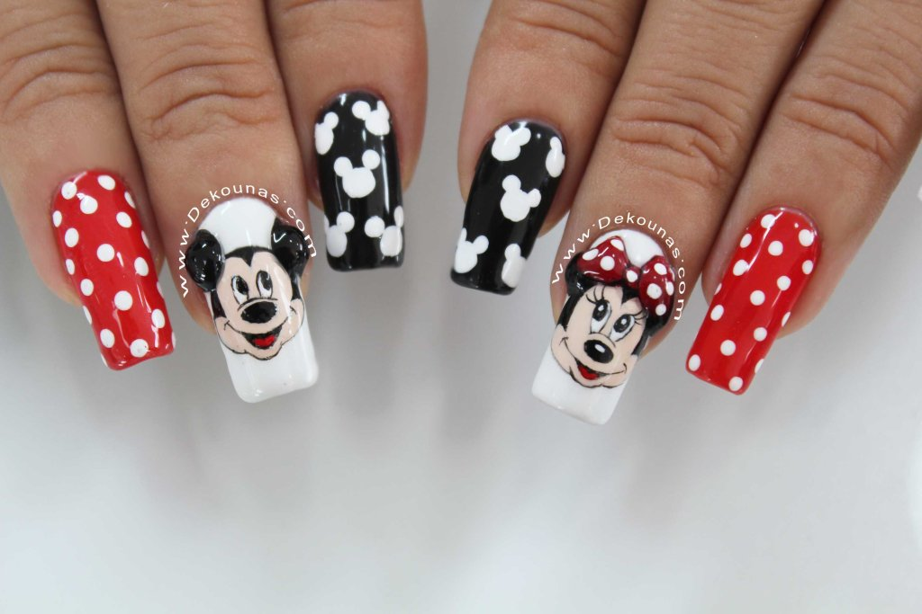 Minnie and Mickey mouse nail art5