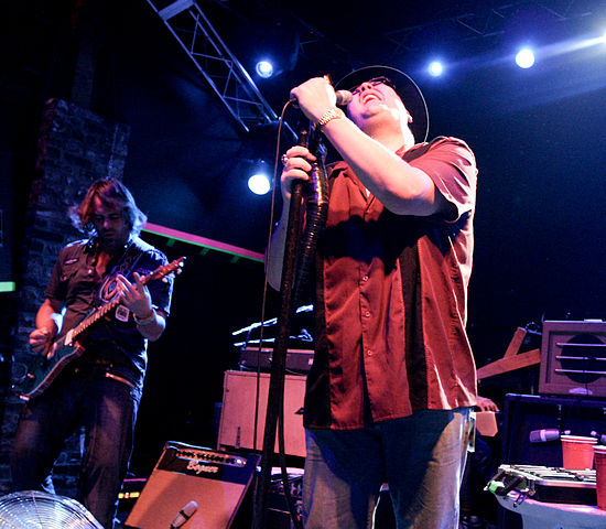 Blues Traveler live