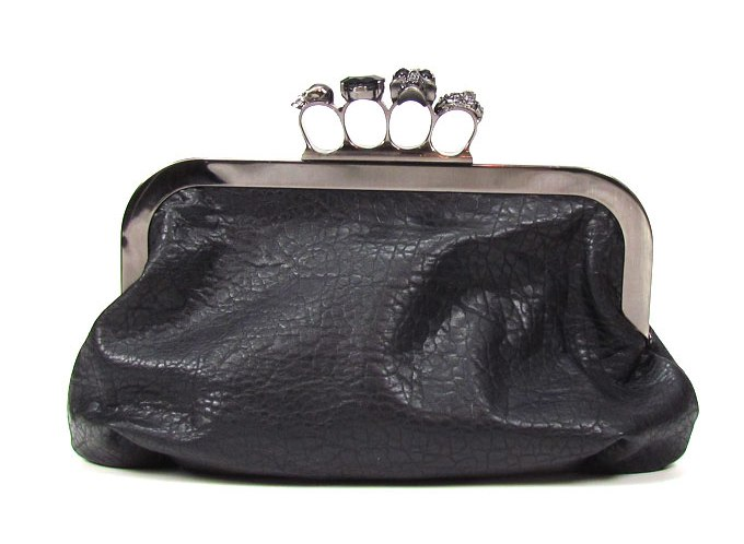Trend Alert: Knuckle Clutches (3/6)