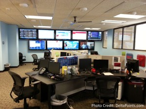twitter - facebook and more socal space at Delta CORP Delta Points blog (1)