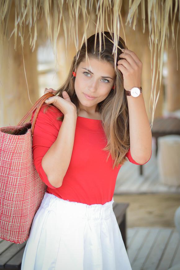 Bulgarian Fashion Blogger Denina Martin by the Beach