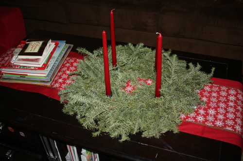 christmas home tour coffee table