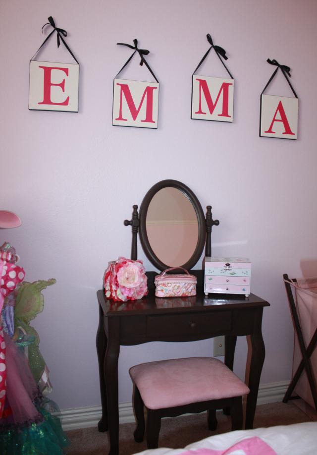 emmas vanity pop