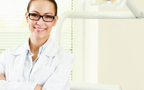 Proteza termoplastyczna – gwarancją pięknego uśmiechu Pacjenta