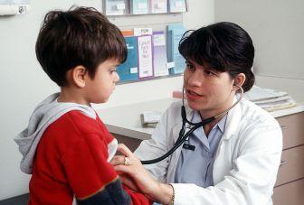 """Gemäss """"google-med"""" leidet der 3-jährige Claudio an Asthma. Oder an einer Raucherlunge."""