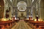 Falls Sie am Sonntagmorgen Ruhe und Entspannung suchen, schauen Sie doch mal in einer leeren Kirche vorbei.
