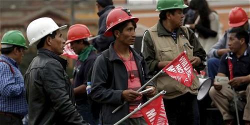 Peru: Governo autoriza intervenção militar contra mineiros