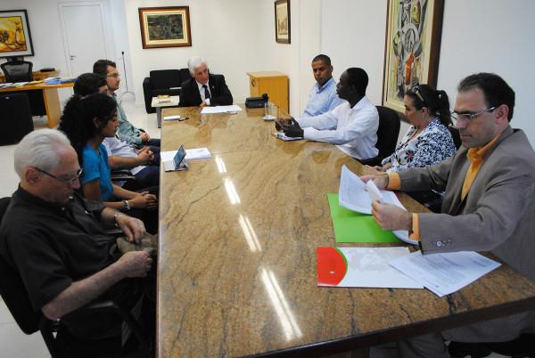 Casa Civil discute estruturação de centro de acolhimento de imigrantes em Santa Catarina