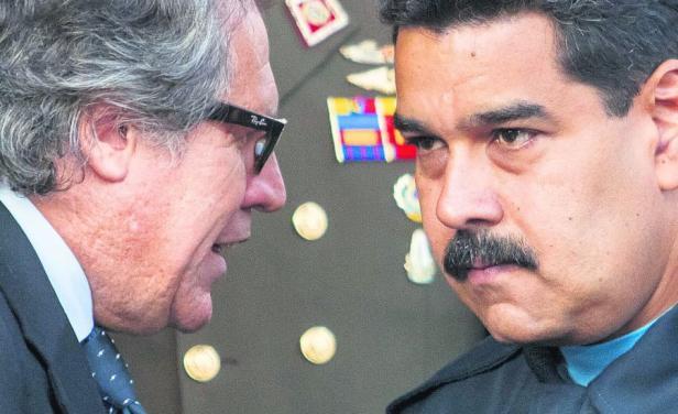 Trilogia do mal contra a Venezuela