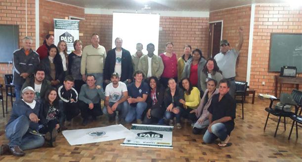 Em SC, atingidos realizam encontro para discutir produção de alimentos e energia solar