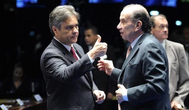 Senadores do PSDB  pretendem expulsar médicos cubanos do Brasil