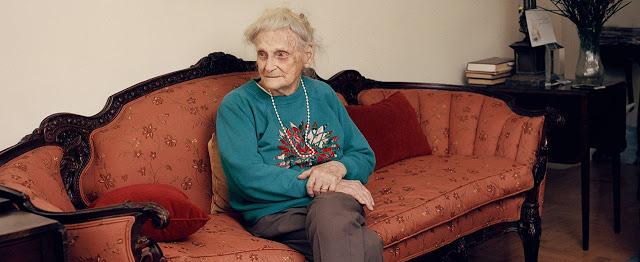 Aos 95 anos, mulher trans se torna ativista após ficar viúva e passar por transfobia