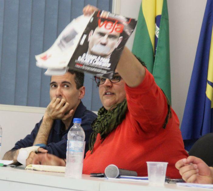 Em Florianópolis: Práticas e perspectivas contra o golpe