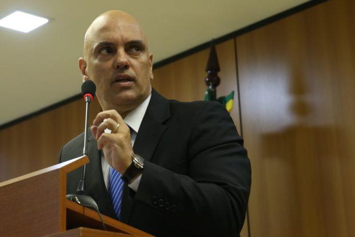 Juiz diz que grupo foi preso por exaltar terroristas, mas não confirma plano